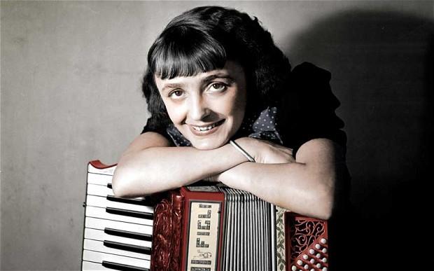 Edith-Piaf_2700431b
