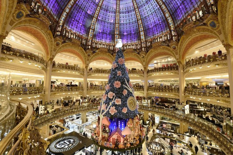 galaries-lafayette-department-store-christmas-tree-1