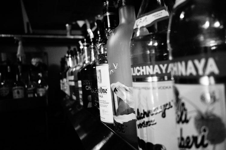 alcohol-586322_1920