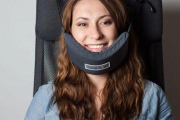 head-hammock-nodpod-sleep-travel-pillow-aeroplane-1