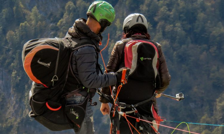 paragliding-1306378_1920