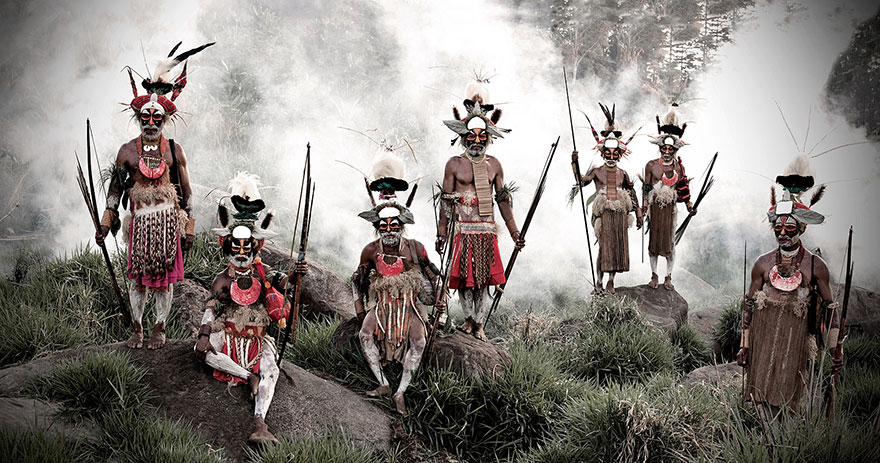 photographs-of-vanishing-tribes-before-they-pass-away-jimmy-nelson-10__880