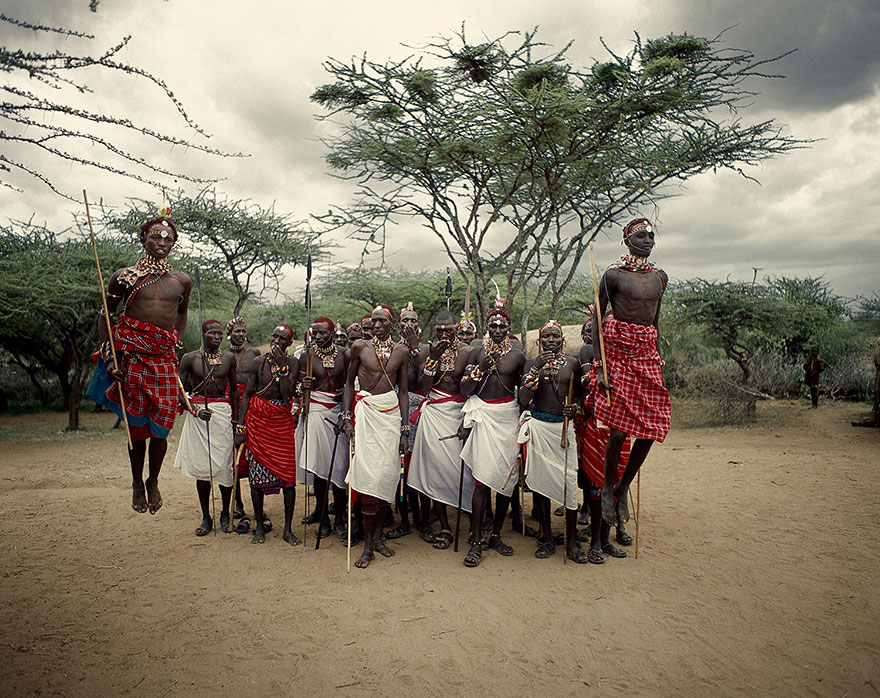 photographs-of-vanishing-tribes-before-they-pass-away-jimmy-nelson-25__880