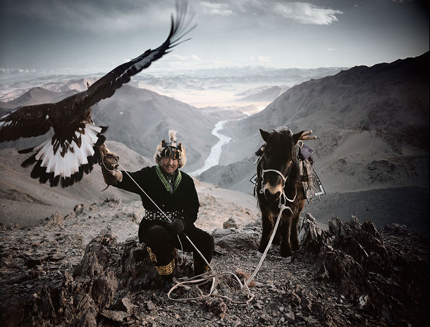 photographs-of-vanishing-tribes-before-they-pass-away-jimmy-nelson-3__880
