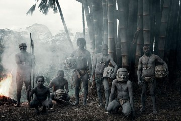 photographs-of-vanishing-tribes-before-they-pass-away-jimmy-nelson-8__880