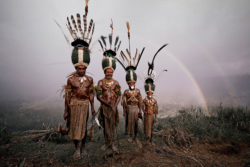 photographs-of-vanishing-tribes-before-they-pass-away-jimmy-nelson-9__880
