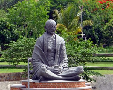 statue-369845_960_720