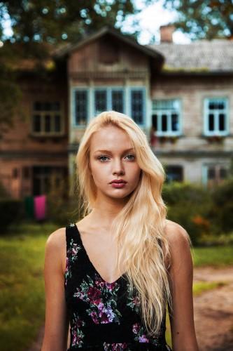 woman-beauty-atlas-mihaela-noroc-222__880