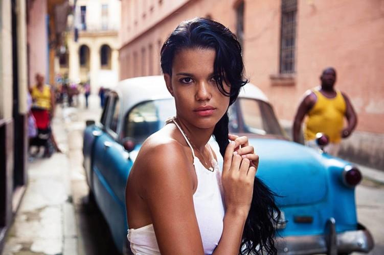 woman-beauty-atlas-mihaela-noroc-260__880