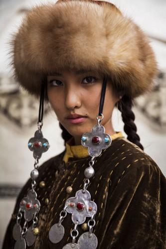 woman-beauty-atlas-mihaela-noroc-284__880