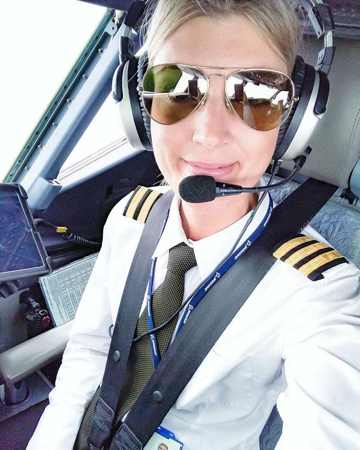 woman-pilot-yoga-maria-pettersson26