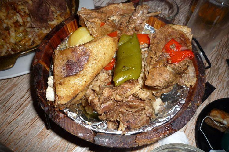 jídlo v jurtě